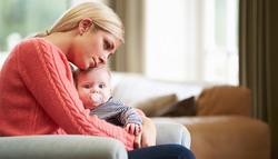 産後うつ|一人で抱え込むのはNG!早めに相談が必要な理由
