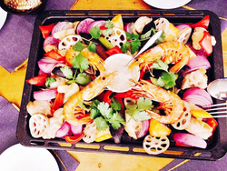 パーティで大活躍!彩り野菜と海老とバーニャカウダ風ソースの天板焼き【身体が変わる!10分レシピ#18】