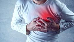 睡眠中の胸の痛み|良い眠りで予防?アゴや腕も痛かったら要注意!