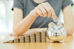 20代~30代女子、就職・結婚・出産にキャリアアップ・・・費用はいくら?