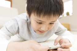 子どものスマホ徹底管理術ーときには利用状況の抜き打ちチェックを!