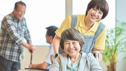 「介護付き老人ホーム」は本当に高すぎるのか|「おひとりさま」なら今から考えておきたい