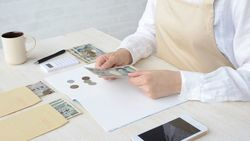 日本人の「現金払い信仰」は、なぜ根強いのか|キャッシュレス社会の実現に立ちはだかる壁