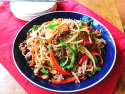 1品で野菜、タンパク質、炭水化物を摂れる美味チャプチェ【身体が変わる10分レシピ#52】