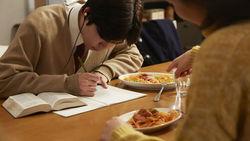 勉強に効く!受験戦争に負けない健康食事法│甲子園優勝校の食育担当が伝授する「勉強飯」