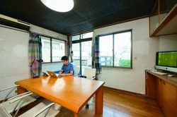 【暮らし探訪】プライベートゼロ!若き実業家が暮らすシェアリング賃貸