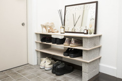 【賃貸DIY】重ねるだけの簡単靴箱DIY! 靴が増えても大丈夫なシューズラックの作り方