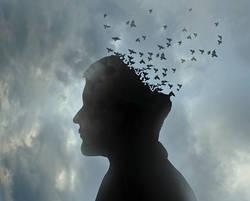 認知症の治療は薬物治療と心理-社会的アプローチの治療の併用が効果的です