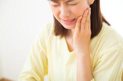 【歯科医監修】歯が痛い…けどムシ歯じゃない?それ「非歯原性歯痛」かも