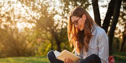 ヨガインストラクターおすすめ!思わず笑顔になる、イライラした心を穏やかにする3冊