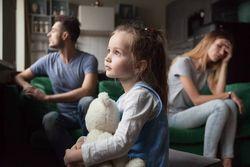 3組に1組が離婚の時代。子供の養育費の相場は?何歳までもらえるの?