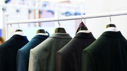 スーツは「何着持っている」のが適量なのか |傷みをできるだけ和らげ、寿命を延ばすコツ