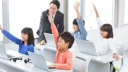 「教えない」先生がこれから増えていく理由│EdTechが「教室」と「先生」の役割を変える