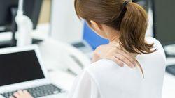 肩こりは「もんでも治らない」という驚きの真実│ストレッチや筋トレが逆効果になることも