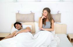 パートナーの寝言に要注意! 寝言でわかる病気のサインとは