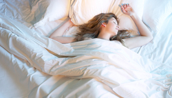 寝過ぎは良くない?休日過眠の原因とリスク|睡眠周期を保つ方法
