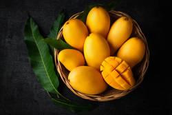 【夏に食べるべき】日差しに負けない美肌へ♪マンゴーの栄養素と美味しい食べ方