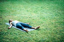 【夜の習慣に】体をリセット!寝る前におすすめの「ヨガ」ポーズ5選
