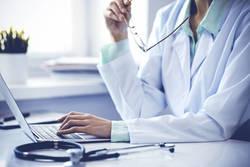 【知らないと損】健康診断の前日に数値を悪くするNGな行動とは?