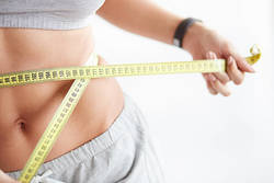 【なかなか落ちない…】お腹の脂肪にアプローチする3つのポイント