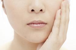 20~30代女性に多い、顎関節症