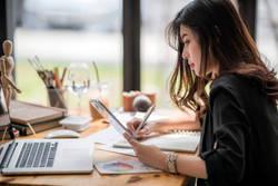 女性が健康的に働き続けるために会社に望むこと、1位は?