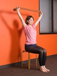 椅子ヨガ/体側を伸ばすポーズ