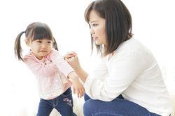NHK元キャスターに聞く、パパママ「子育て」奮闘記  第3回 「叱りたくないのに……」ほめて育てた子との違いはあるの?