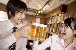 男を磨くダイエット法  第40回 ダイエット中にお酒はNG! 忘年会対策に知っておくべきこと