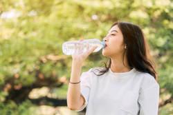 【素朴な疑問を解説】よく見かける「酸素水」って本当に効果があるの?