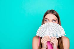 年末年始明けの金欠に!お金が貯まる人がやっている簡単貯金テクニック