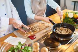 【食卓に新しい風を♪】ダイエット中でも安心な「世界の料理」レシピ5選