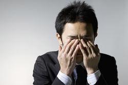 適応障害の原因や症状、治療法を精神科医が解説