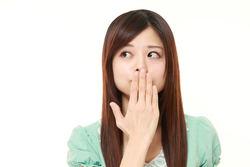 口臭は消せる? におい予防の習慣や食事のコツを歯科医が解説