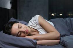 【やせない原因はコレかも?】満腹状態での睡眠がダメな理由
