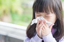 子どもでも花粉症になるの? 風邪との違いや治療法