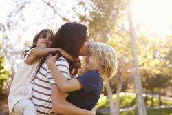 国民年金保険料は滞納せず免除手続きを! 未婚のひとり親も対象に
