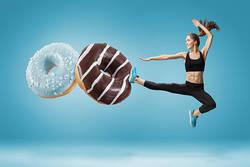 「ダイエット中に甘いものを食べたい!」 回避する4つの方法とは?