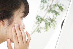 大人ニキビが治らないときの治療法や原因を皮膚科医が解説