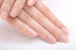 【管理栄養士が教える】綺麗な「爪」を目指す方法とは?