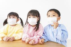 子供のマスクは熱中症のリスク増! 対策や気をつけたい症状を小児科医が解説