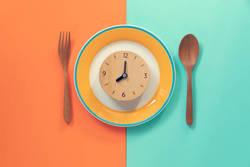 【カロリー以外も重要】ダイエット中は「食べる時間」にも意識しよう!