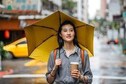 コンビニ傘はもう買わない!男女別おすすめハイスペック折りたたみ傘