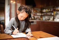 子どもがいる親世代、9割以上がオンラインでの夏休みの習い事を検討
