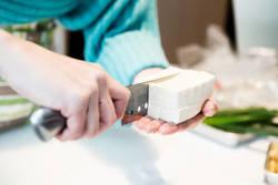 【メインディッシュに!】豆腐を使ったヘルシーレシピ4選