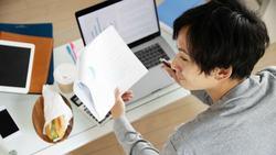 在宅仕事が「はかどる机」「ダメな机」決定的な差|気がついたら違うことをしている人は要注意