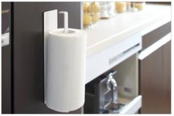 一人暮らしの狭いキッチンにも置ける! シンプルデザインの「キッチンペーパーホルダー」3選