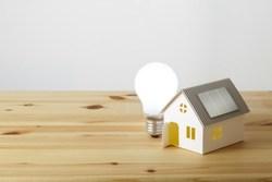一人暮らしの照明にはLEDがおすすめ!電球でお部屋の雰囲気を変えよう