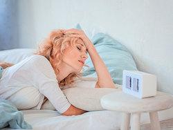 女性ホルモンの基礎知識。更年期症状の2大治療とは?