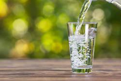 【ダイエット お悩み相談室】食事中に水をたくさん飲むのはNGって本当?